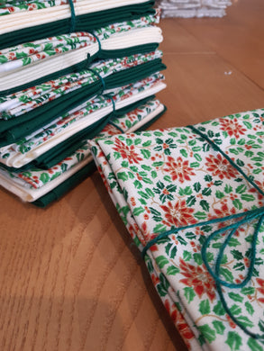 Poinsettia, Green and Cream Fat Quarter Bundle