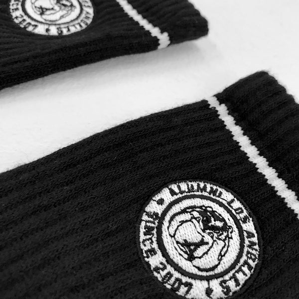 MASCOT CREST SOCKS (BLACK + WHITE)