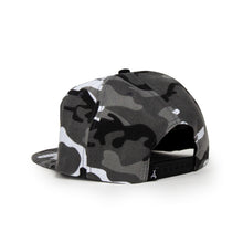 Load image into Gallery viewer, WINTER CAMO SNAPBACK