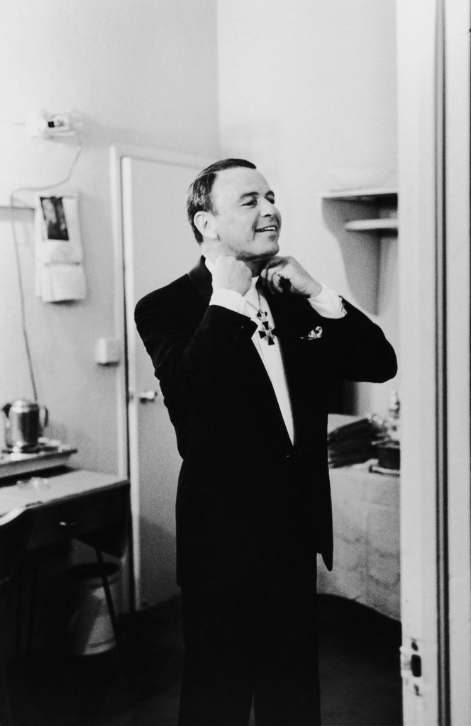 Frank Sinatra - Backstage at Fontainebleau