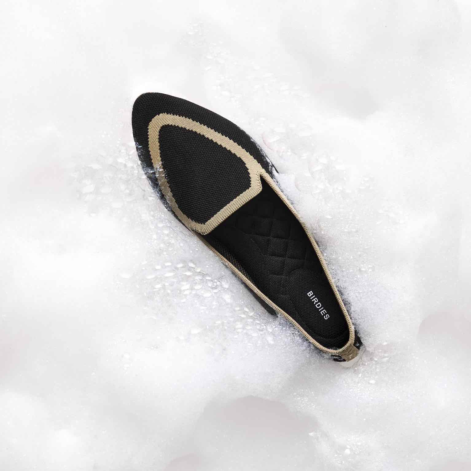 black washable knit flats in bubbles