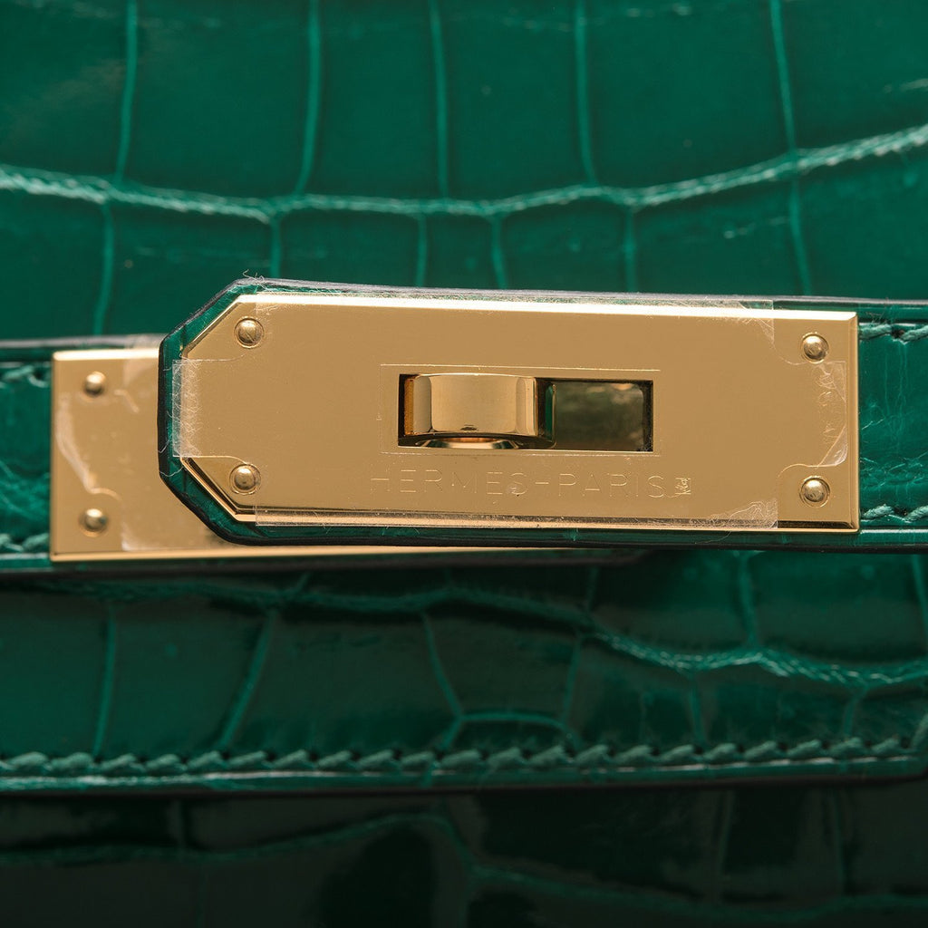 Hermes Emerald Shiny Nilo Crocodile Birkin 30Cm Gold Hardware Handbags