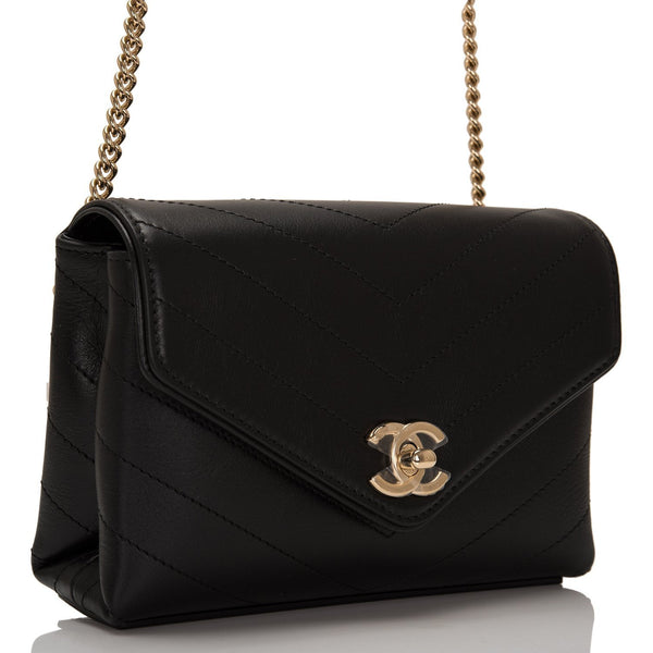 e99e6e6efd80 ... Chanel Coco Chevron Black Calfskin Double-Wrap Waist Bag (Fanny Pack)  ...