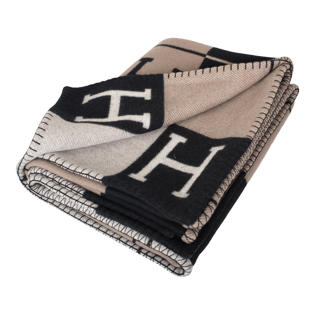 Hermes New Classic Avalon Black and Ecru Blanket