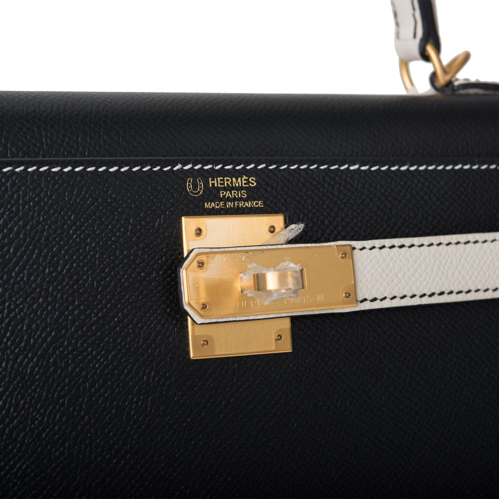 Hermes Horseshoe Stamp (HSS) Bi-Color Black and Craie Epsom Sellier Kelly 28cm Brushed Gold Hardware