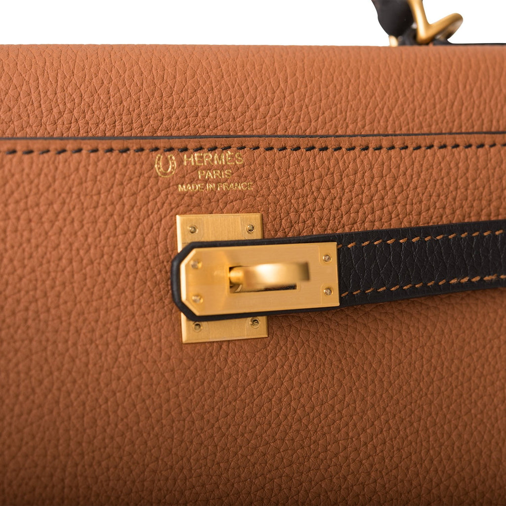 Hermes Horseshoe Stamp (HSS) Bi-Color Gold and Black Togo Retourne Kelly 25cm Brushed Gold Hardware