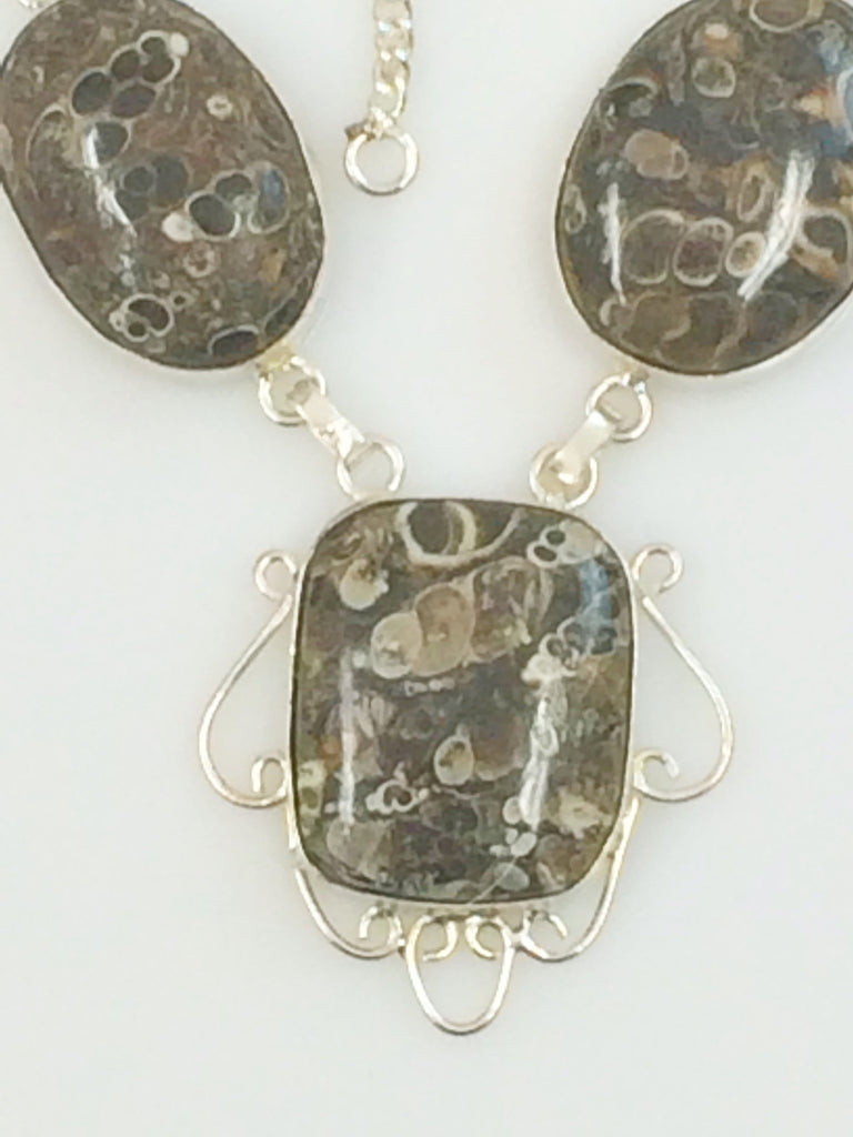 Tasteful Turritella Agate Necklace 385 19""