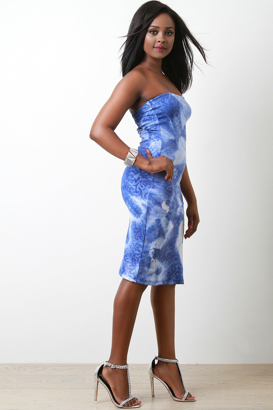 Filigree Textured Tie Dye Tube Midi Dress