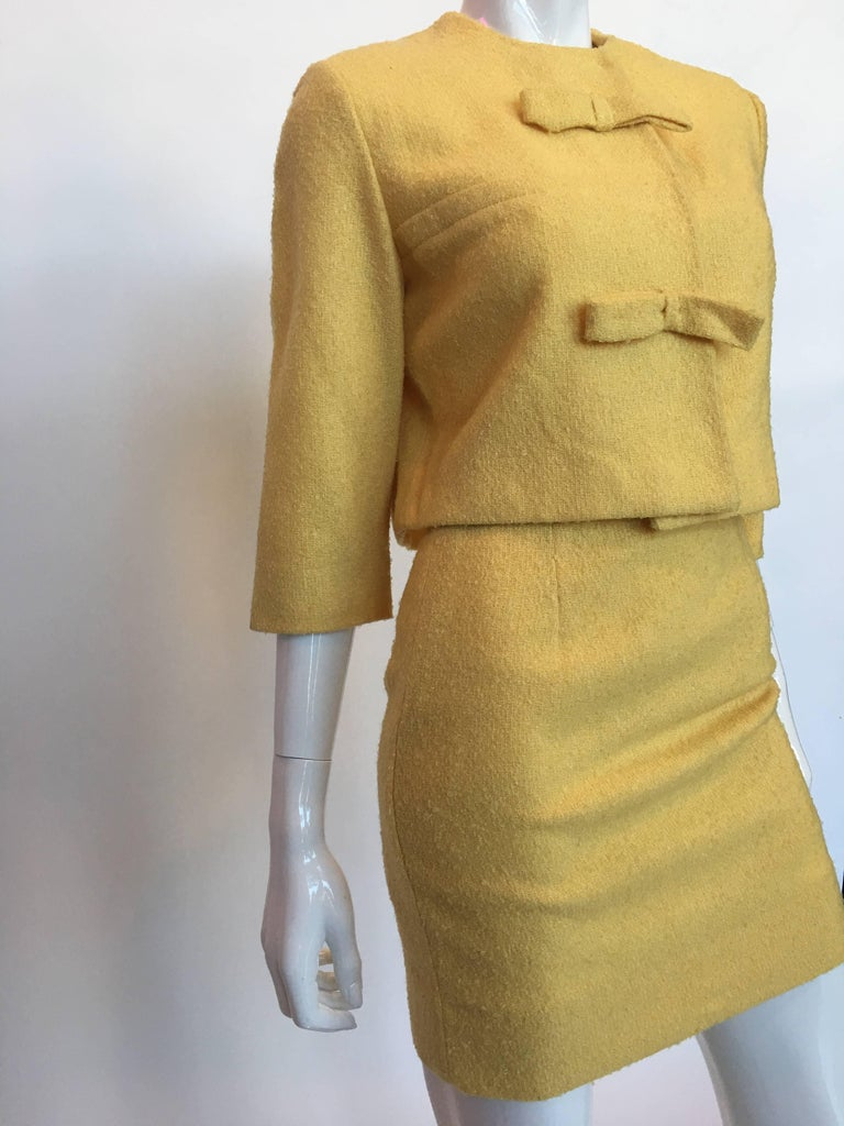 Jackie O Mod Style 1960's Butter Yellow Knubby Knit 2 Piece Skirt Suit