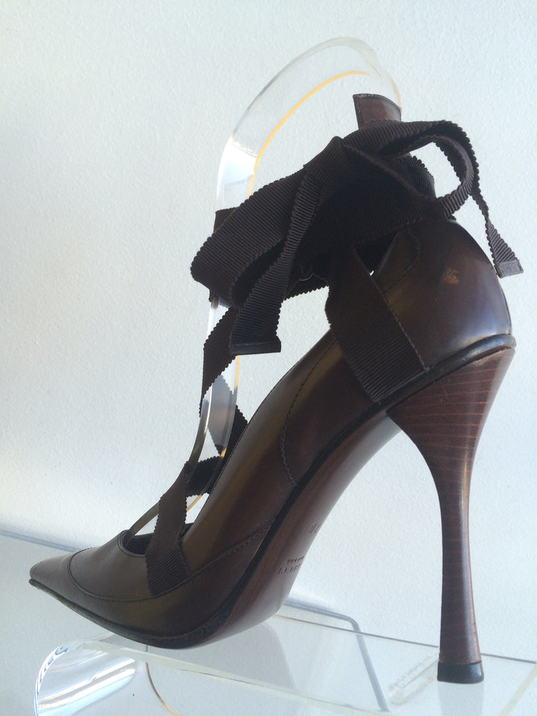 Gucci Brown Pumps with Ribbon Detail