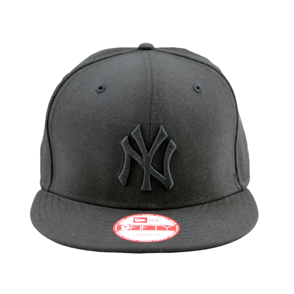 9Fifty Snapback Cap - New York Yankees Black On Black 9Fifty Cap