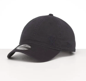 Chicago White Sox 9Twenty Black on Black Fless New Era Strapback Cap
