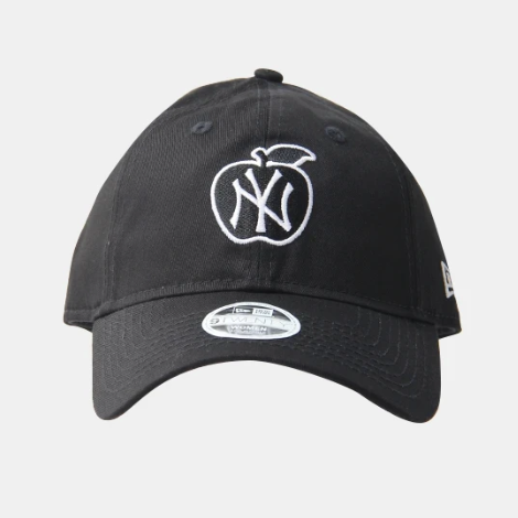 New York Yankees 9Twenty New Era Adjustable Apple Black Cap Women