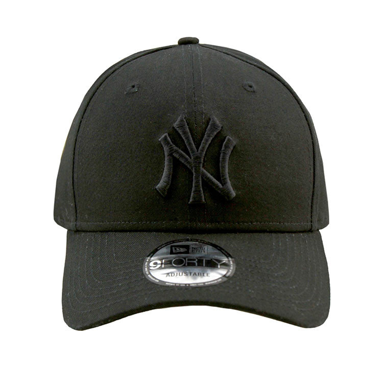 New York Yankees Black on Black 9forty Adjustable Strapback Cap