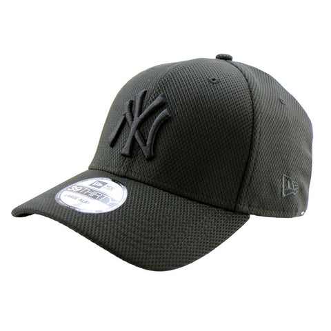 New York Yankees Black on Black Diamond Era 3930 New Era Cap