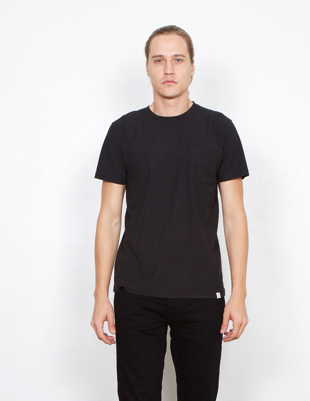 Niels Pocket Tee