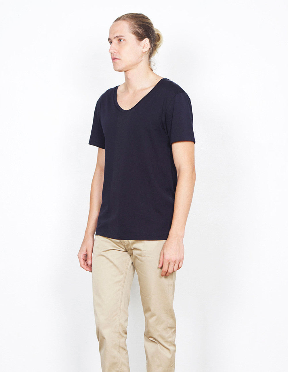 Limit Low Neck Tee