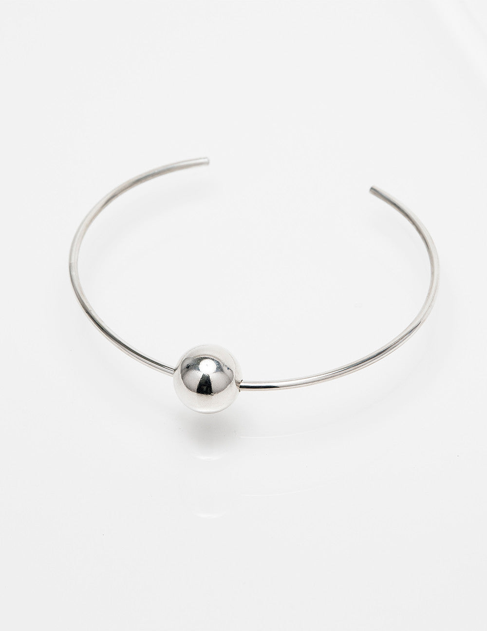 Round Collar with Sphere