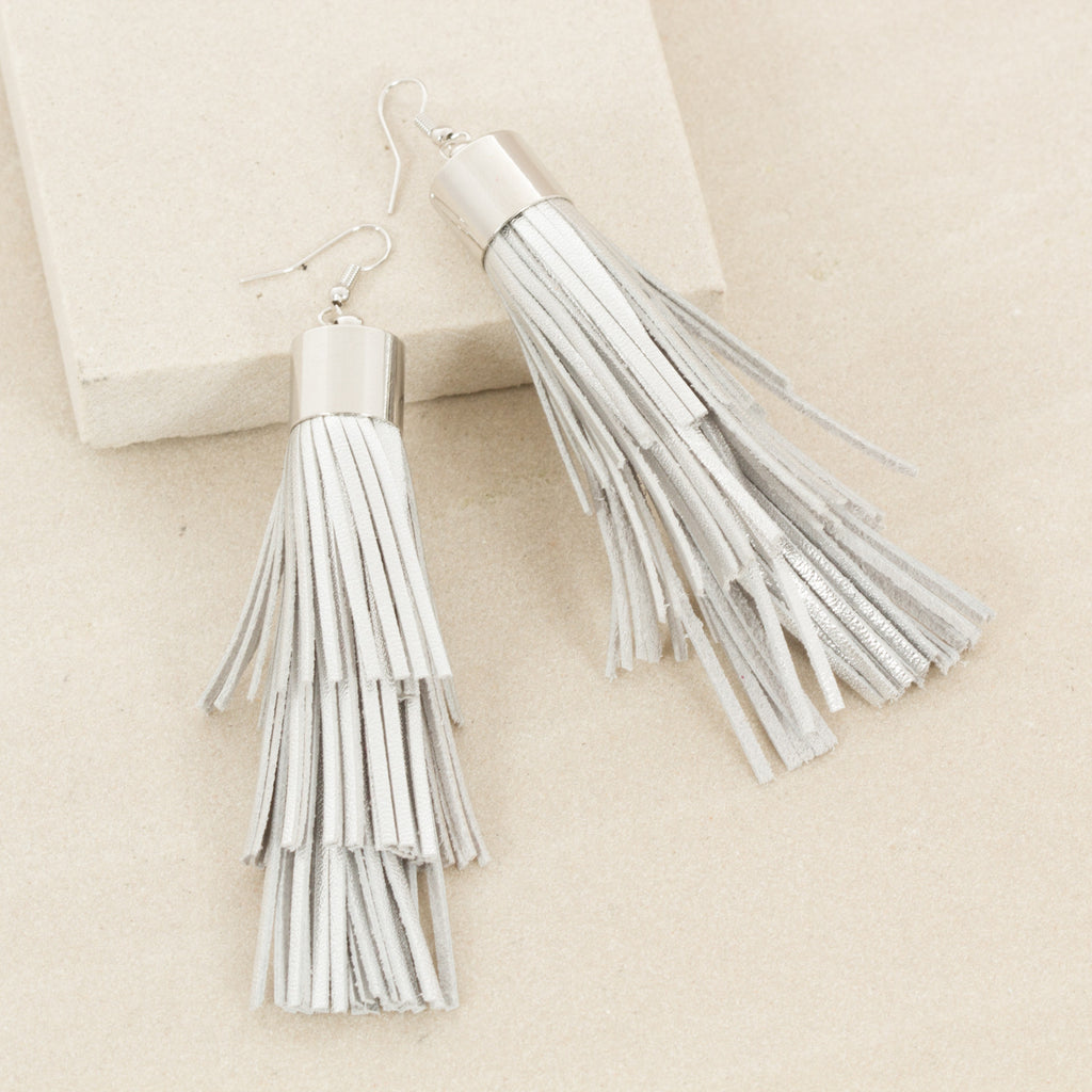 LORA TASSEL / EARRINGS - Silver