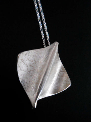 Mini Stingray Pendant