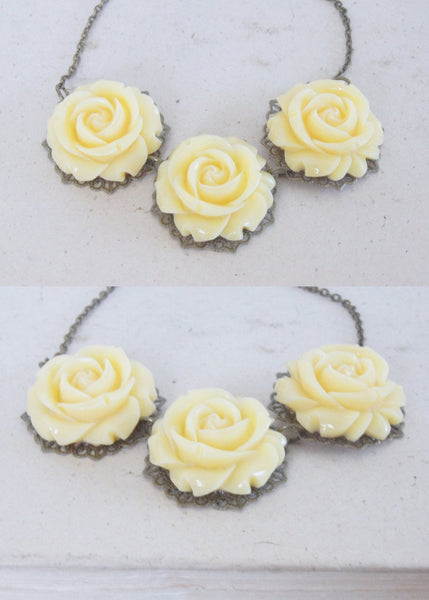 Vintage Cream Rose Necklace