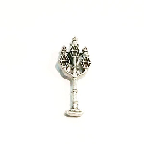 Three Sister's styled lamppost pewter lapel pin