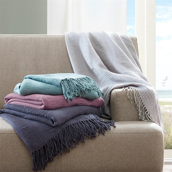 Ink & Ivy Reeve Ruched Throw