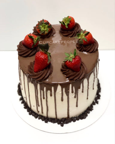 Drip Cake - Chocolate covered Strawberry