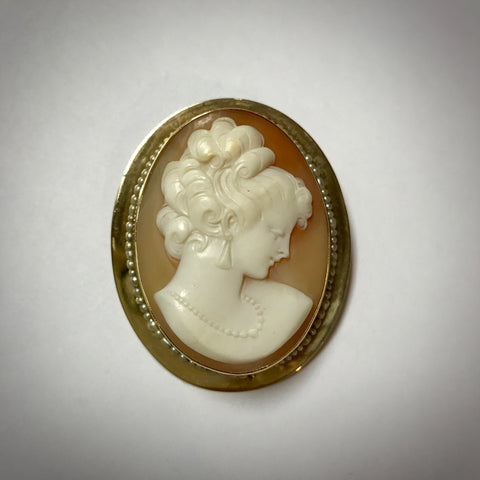 14KY shell cameo brooch / pendant circa 1950 with seed pearls