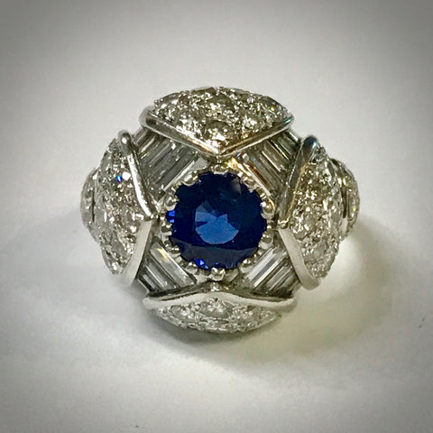 Ladies platintum dome ring 1.39 carat blue sapphire 4ctdw