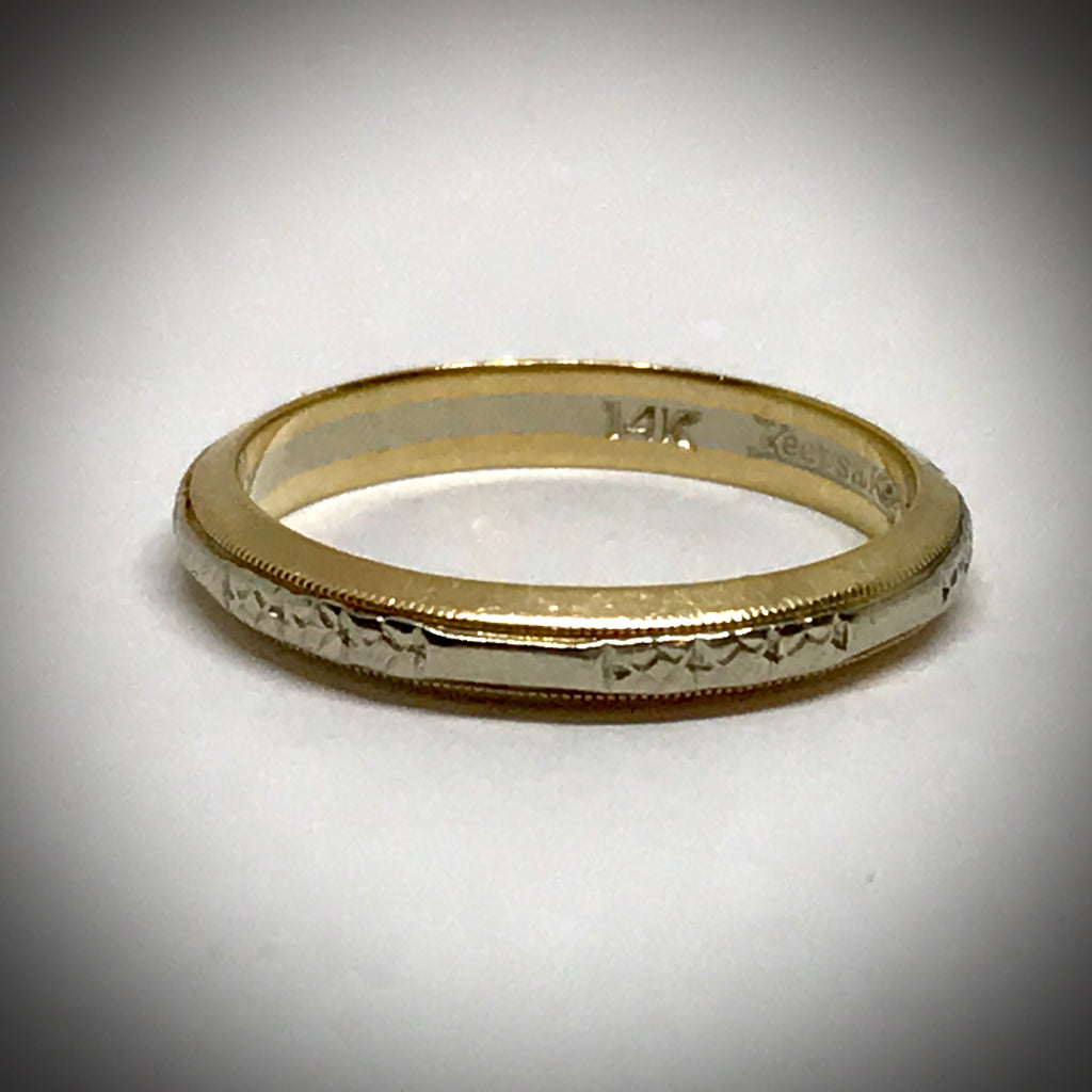 Ladies 14KTT vintage wedding band 3mm wide