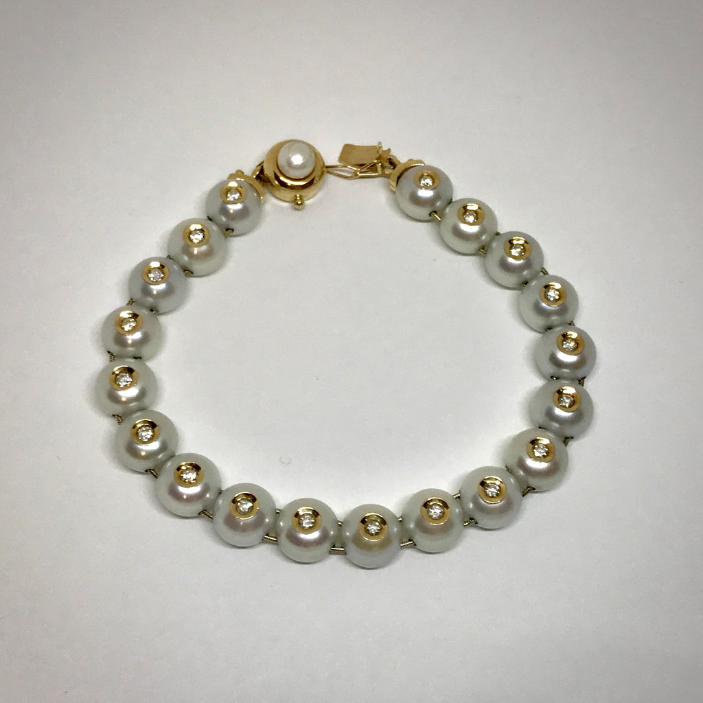 Ladies 14KY bracelet freshwater cultured pearls and diamonds