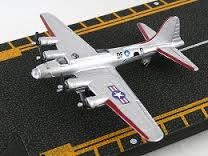 "HotWings: B-17 ""Flying Fortress"""
