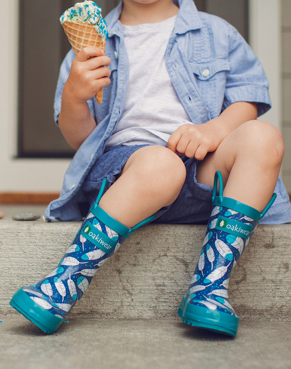 Feathers Loop Handle Rubber Rain Boots