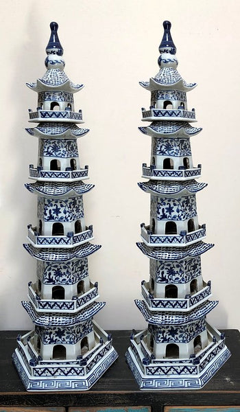 BLUE AND WHITE PORCELAIN PAGODA