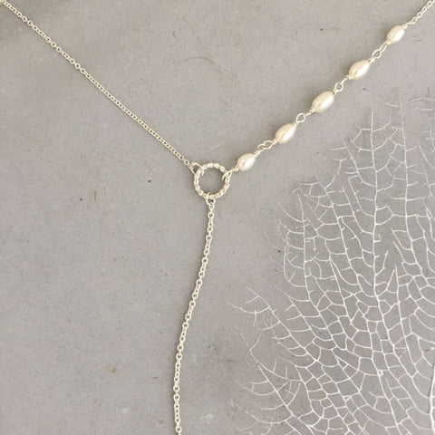 Silver rope circle pearl lariat necklace