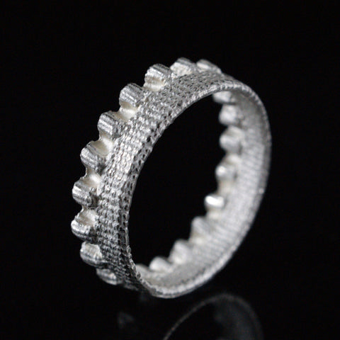 single ruffle ring
