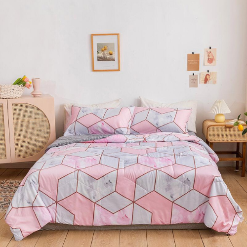 Comforter set of 4 pieces, Pink Geometric design. - BusDeals Today