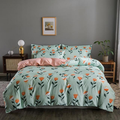 King size bedding set of 6 pieces, Floral design.