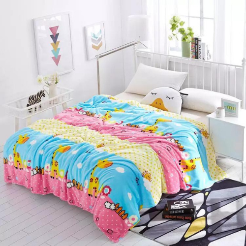 Soft fleece blanket, giraffe design. - BusDeals Today
