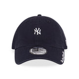 MLB New York Yankees New Era Washed Duck Canvas Navy 9Forty Strapback Cap