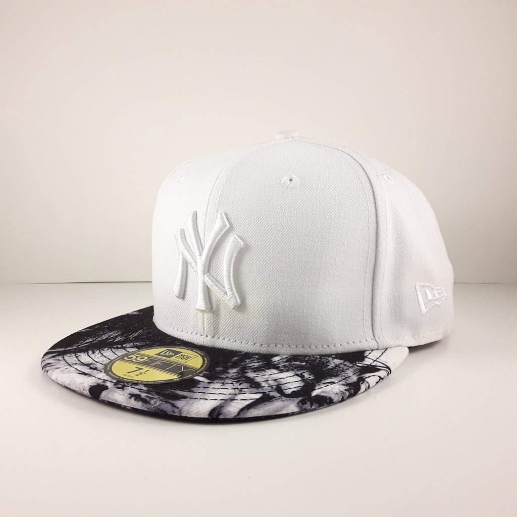 Snow Wolf MLB New York Yankees New Era 59Fifty Fitted Cap