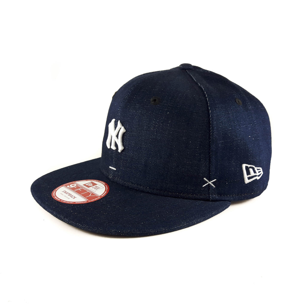 MLB New York Yankees Mini Logo New Era Denim 9Fifty Snapback Cap