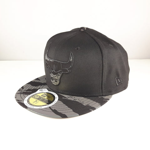 pretty nice e3e96 2b6ec ... inexpensive sold out reflective tiger nba chicago bulls new era 59fifty  fitted cap 6f59f d9d75