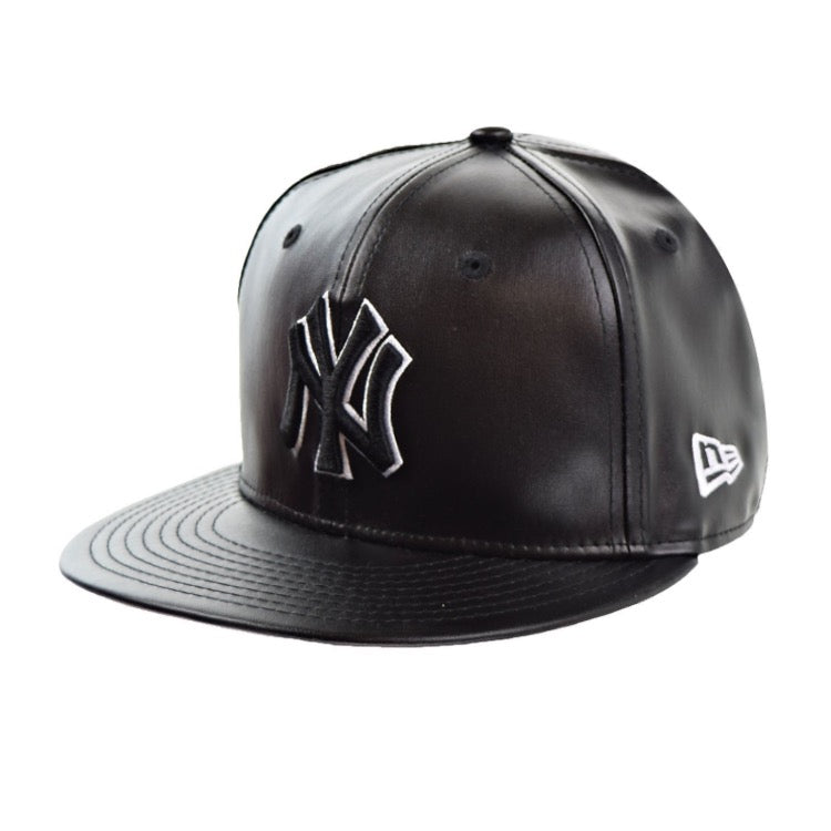 88145c9861e MLB Leather Squad New York Yankees Black New Era 59Fifty Fitted Cap – urban  TEE