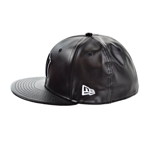 05ee8c85b6f ... MLB Leather Squad New York Yankees Black New Era 59Fifty Fitted Cap ...