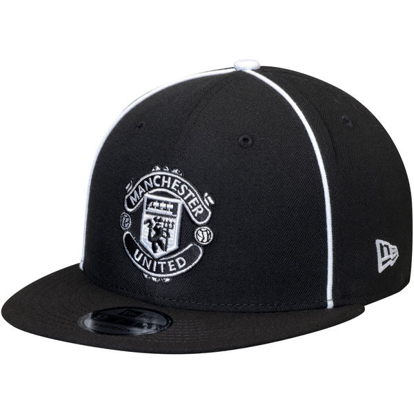 Manchester United Kit Hook Up Black New Era 9Fifty Snapback Cap