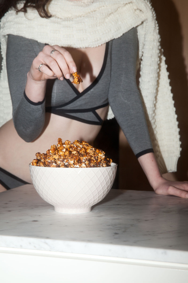 Hopeless LOVE BITES | Vegan Caramel Bourbon Popcorn
