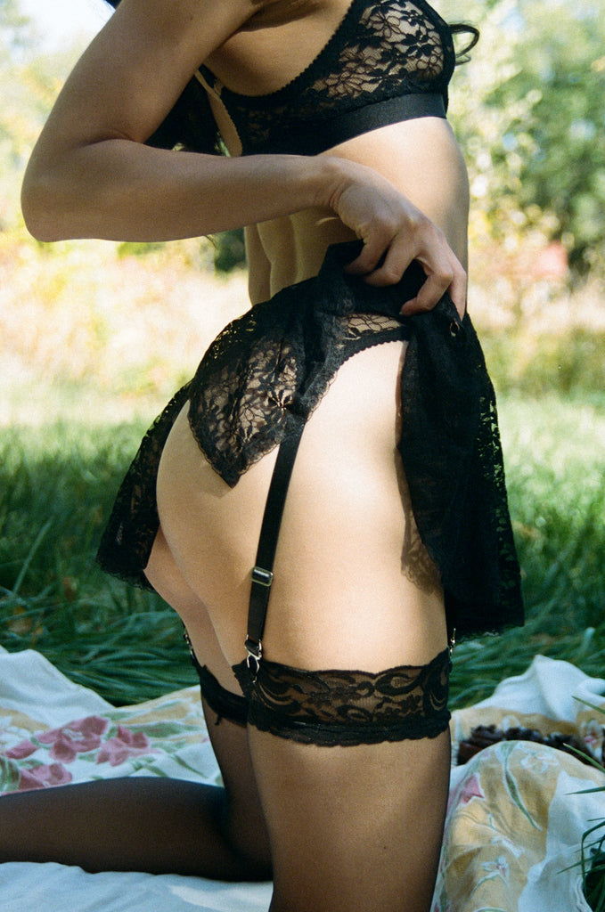 Black Lace Suspender & Bralette | Hopeless Lingerie