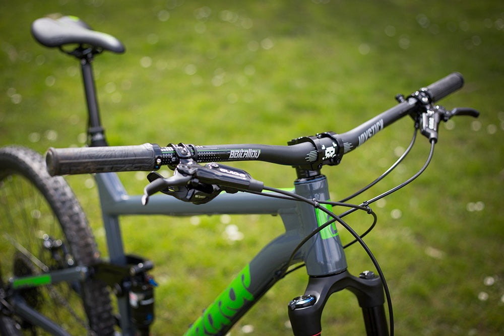 Aarons Custom Airdrop Edit - Joystick Handlebars and Stem